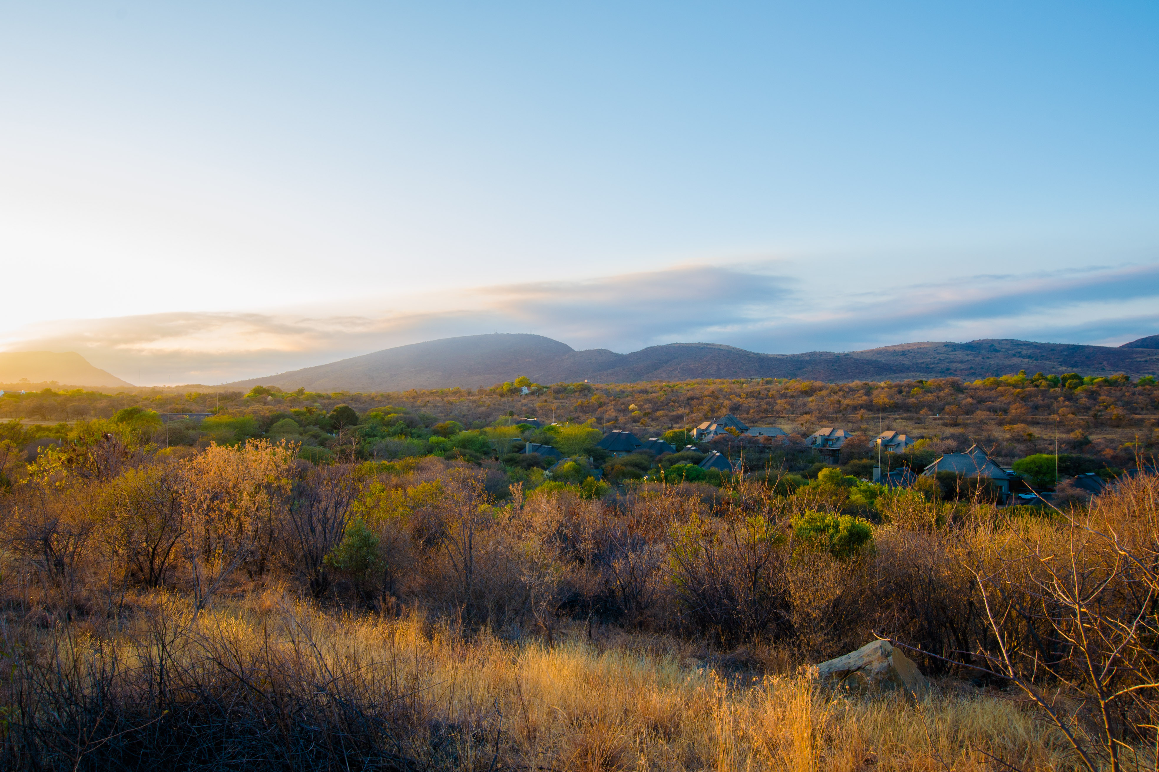 Situated in the northern slopes of the Magaliesberg Mountains